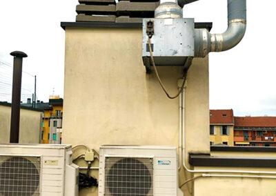 Aspiratore ElectroWhisper 300/ aspirazione bagni ciechi condominio (Milano) Prima dell'installazione